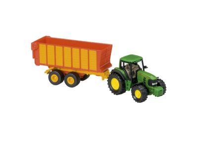 Tracteur John Deere avec remorque à ensilage