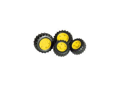 Zwillingsreifen mit gelben Felgen
