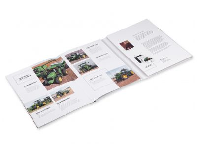 Samlaralbum med 100 år av John Deere-traktorer
